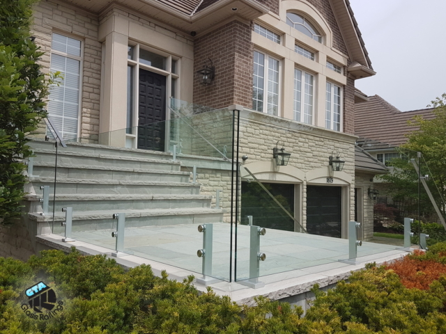 frameless outdoor glass railing