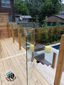 glass railings and gate for pools