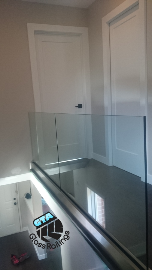 frameless indoor glass railings