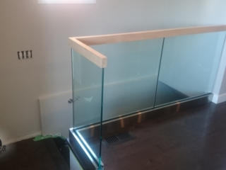 shoe glass railing