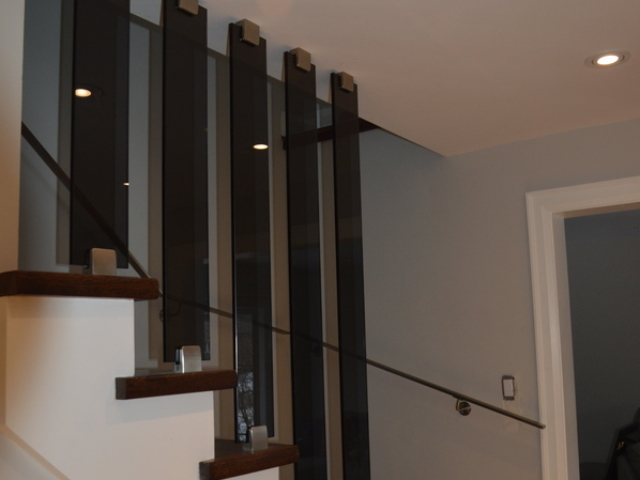 glass strips railing