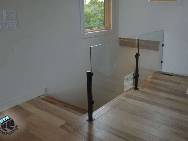 glass railing no top rail