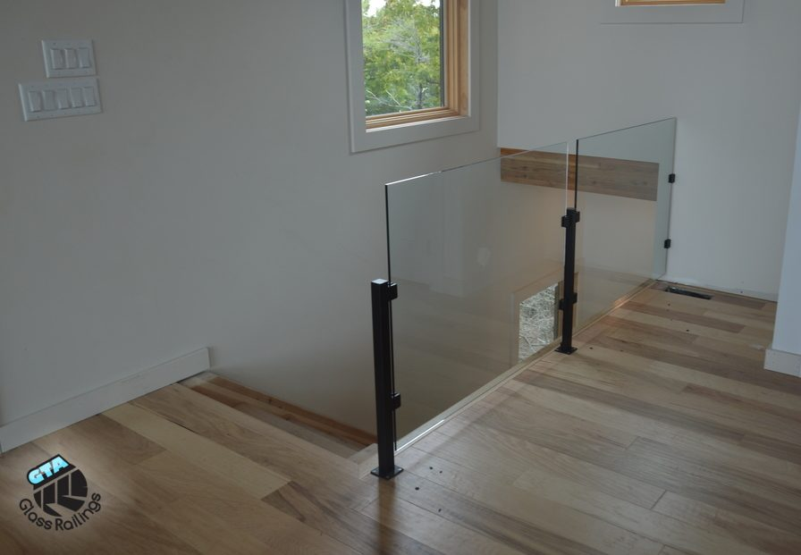glass railing no top rail