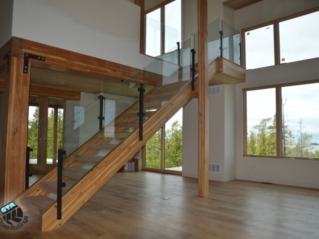 topless glass railing