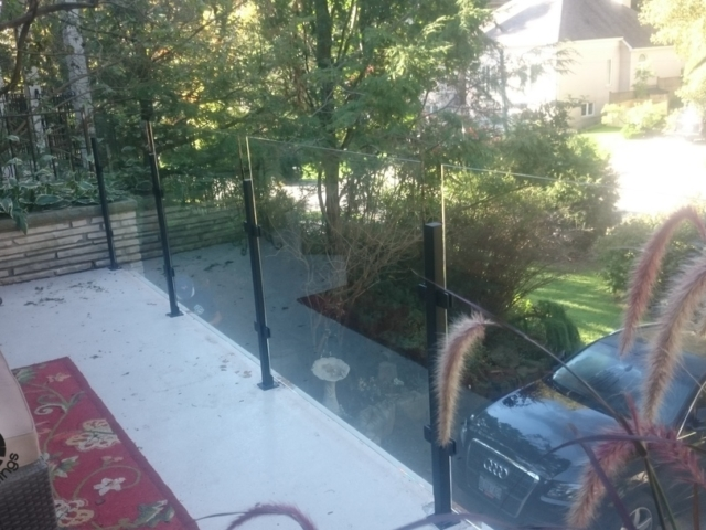deck glass railing