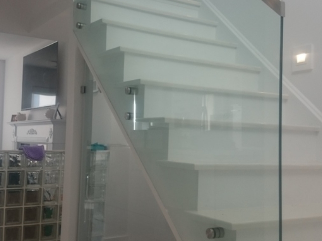 indoor frameless glass railings