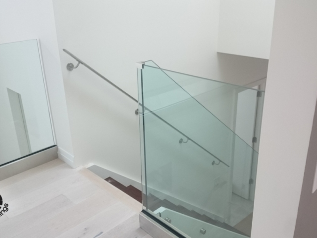 cr laurence base shoe glass railing